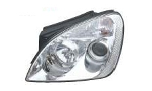 KIA CARENS 2010 HEAD LAMP